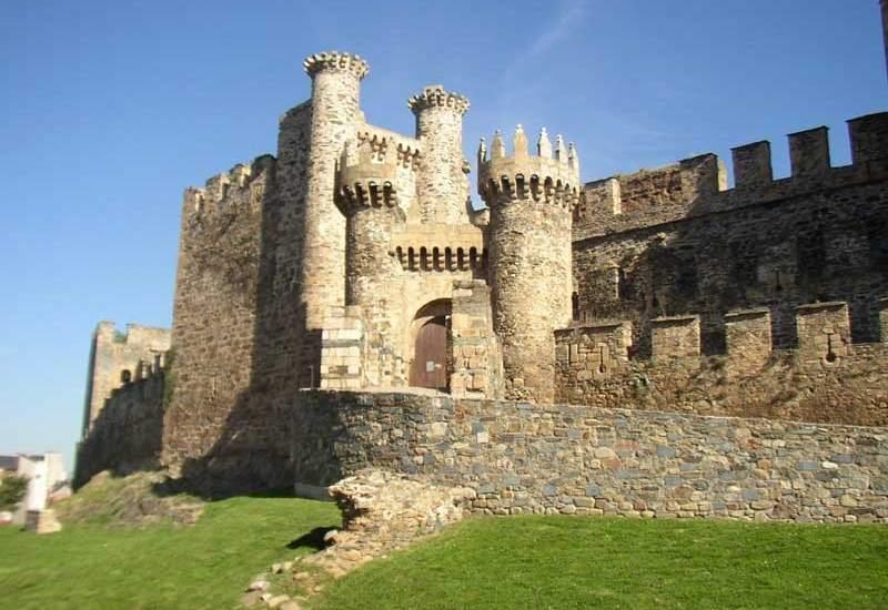 Iglesias y Castillos templarios en España